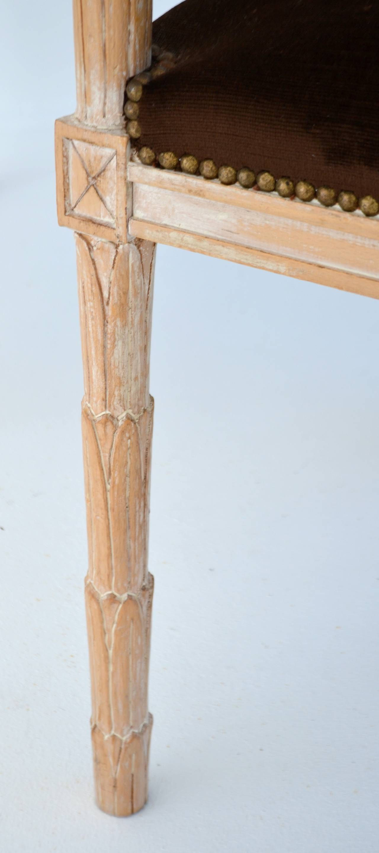 Pair of Italian Hand-Carved Hall Chairs by Boffi For Sale 1