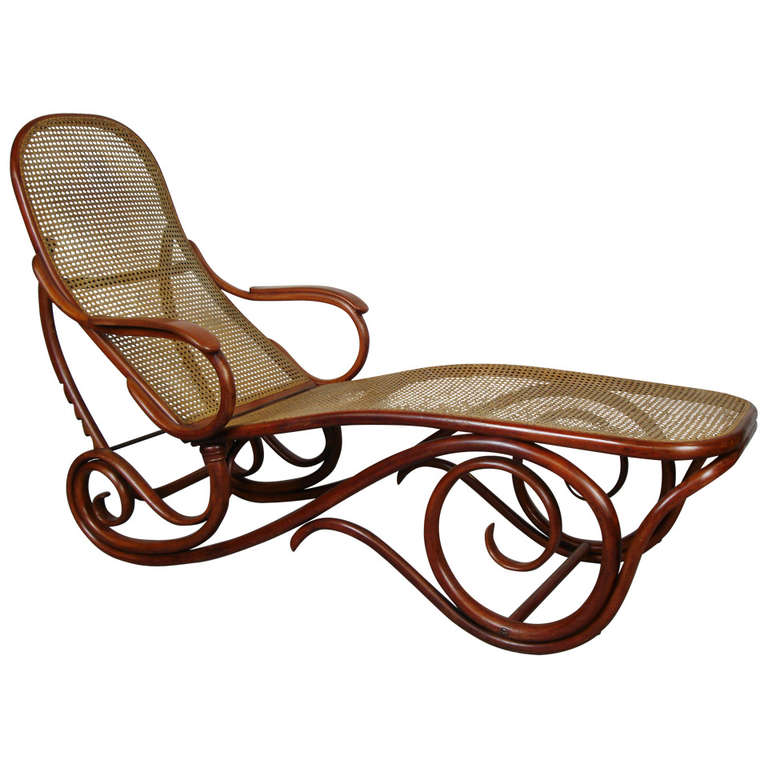 Thonet bentwood chaise lounge at 1stdibs for Art nouveau chaise lounge