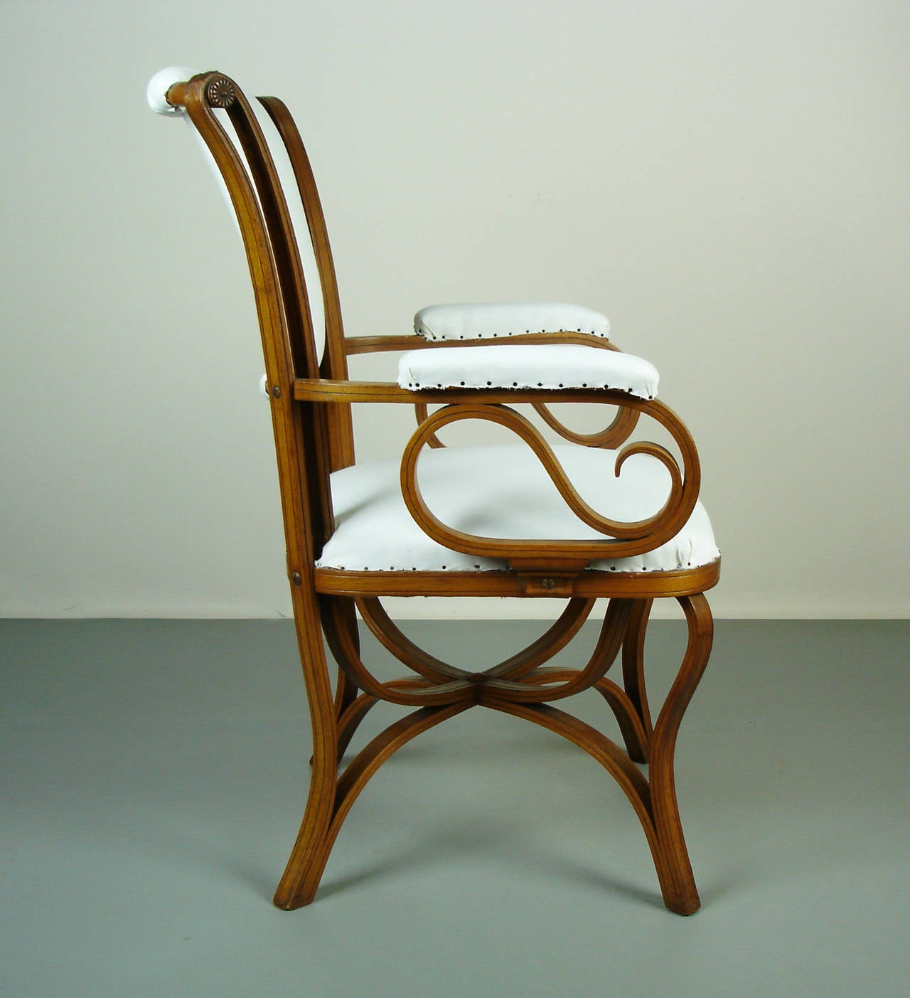 Bent wood armchair by thonet at 1stdibs for Chaise bentwood
