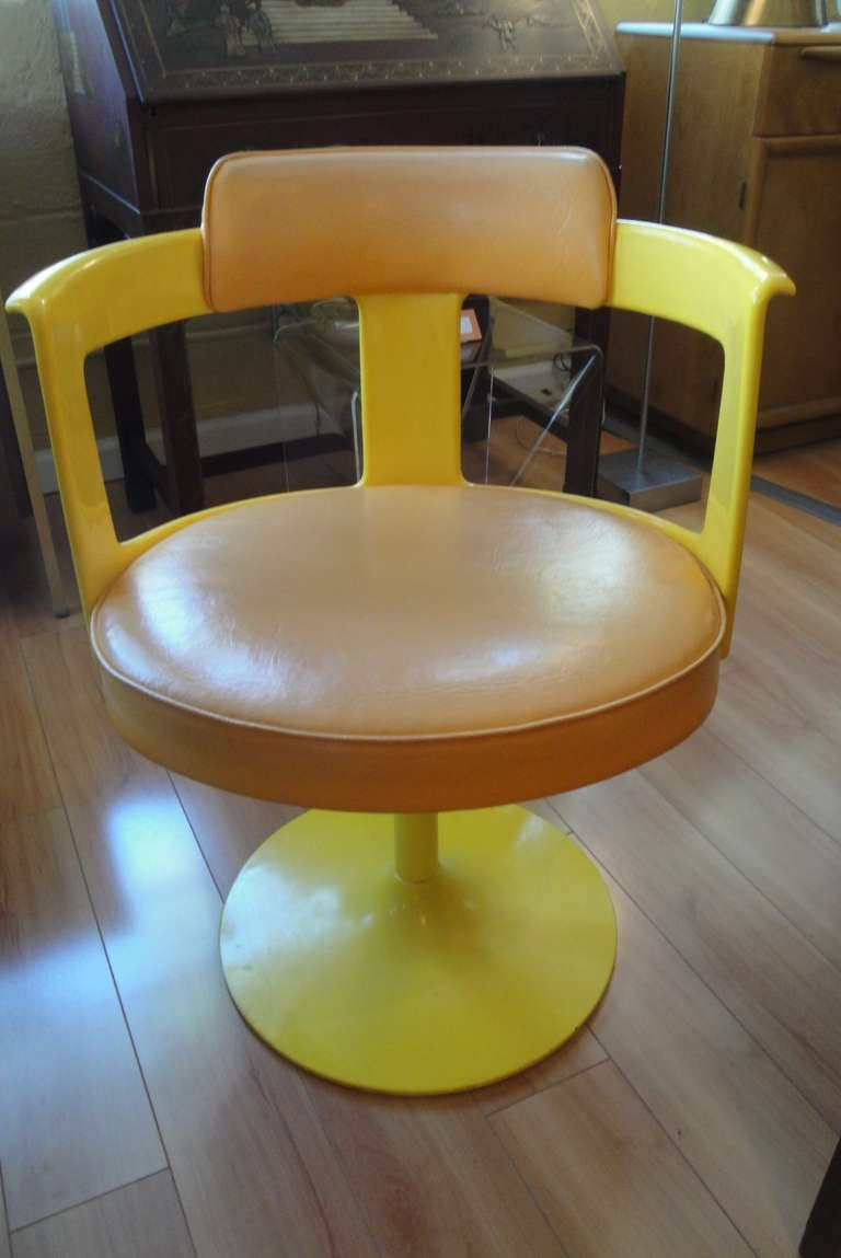 70 S Mod Unique Tulip Style Dinette Set At 1stdibs