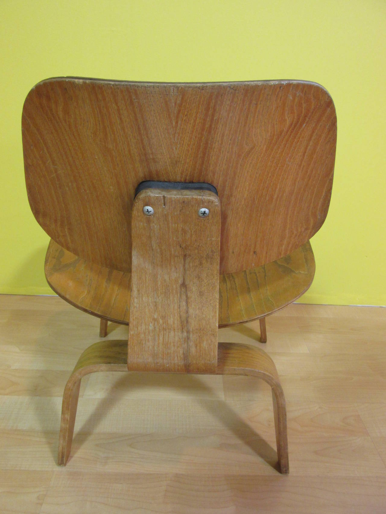 eames lcw molded plywood lounge chair evans at 1stdibs