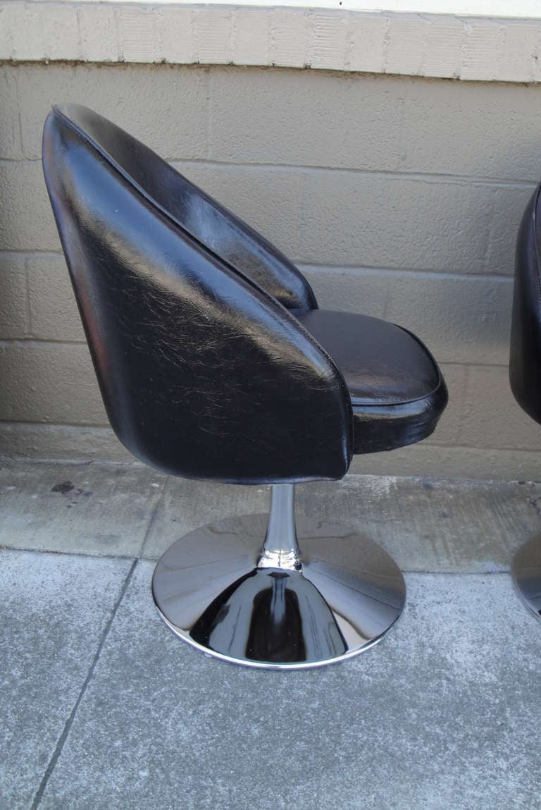 Four Chrome Tulip Base Swivel Chairs At 1stdibs