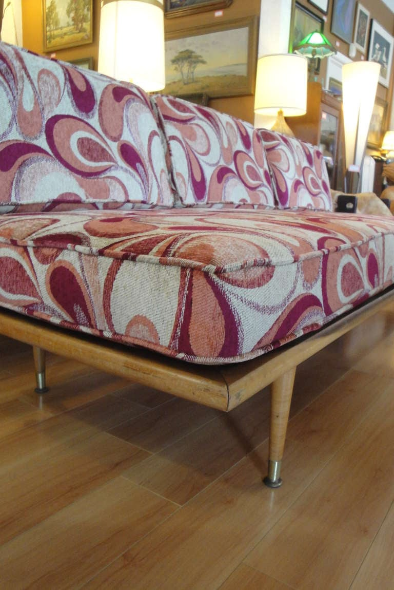 Mid century modern daybed at 1stdibs for Mid century modern day bed