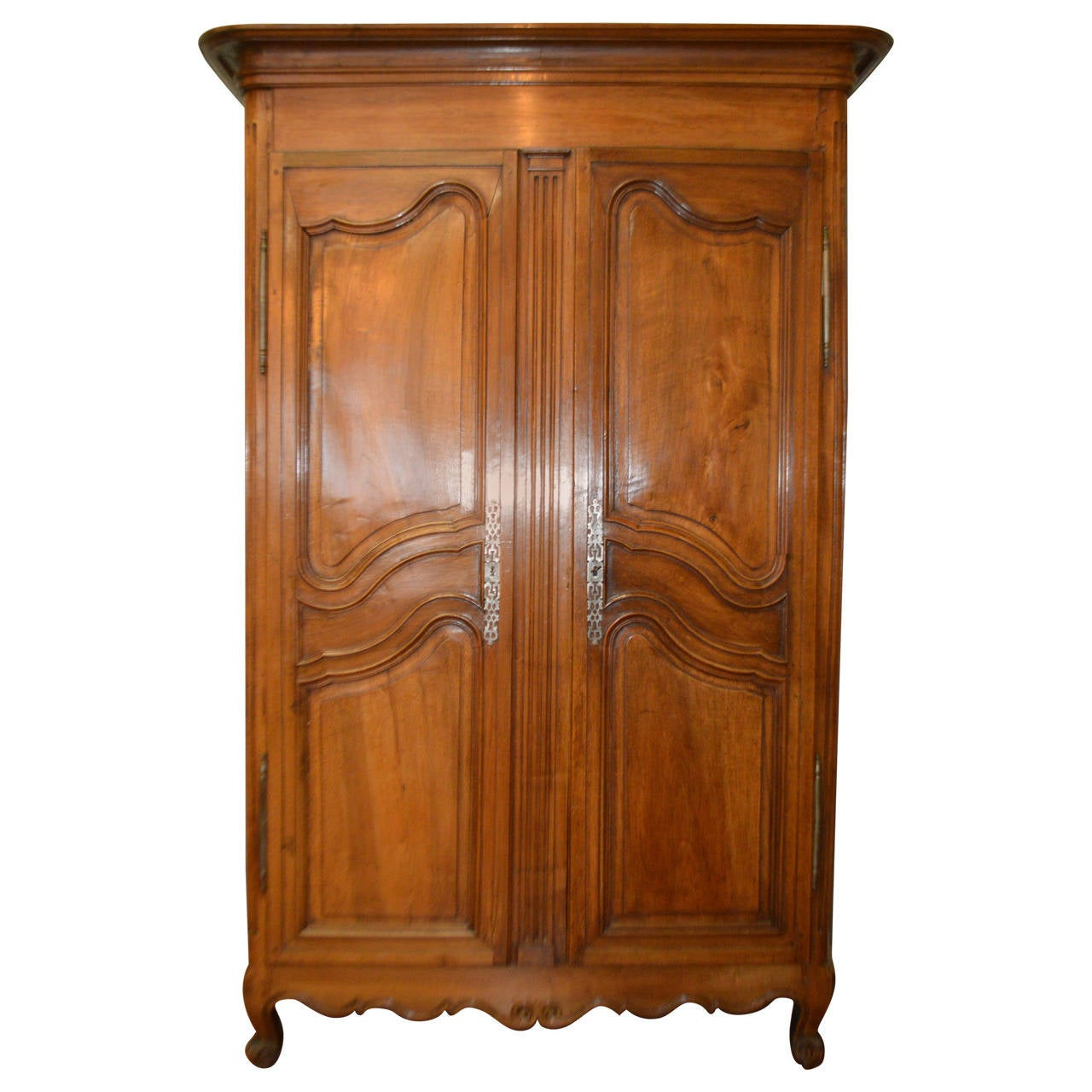19th century louis xv style walnut armoire at 1stdibs. Black Bedroom Furniture Sets. Home Design Ideas