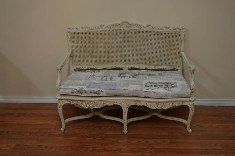 Louis xv style painted proven al canned canap at 1stdibs for Canape style louis xv