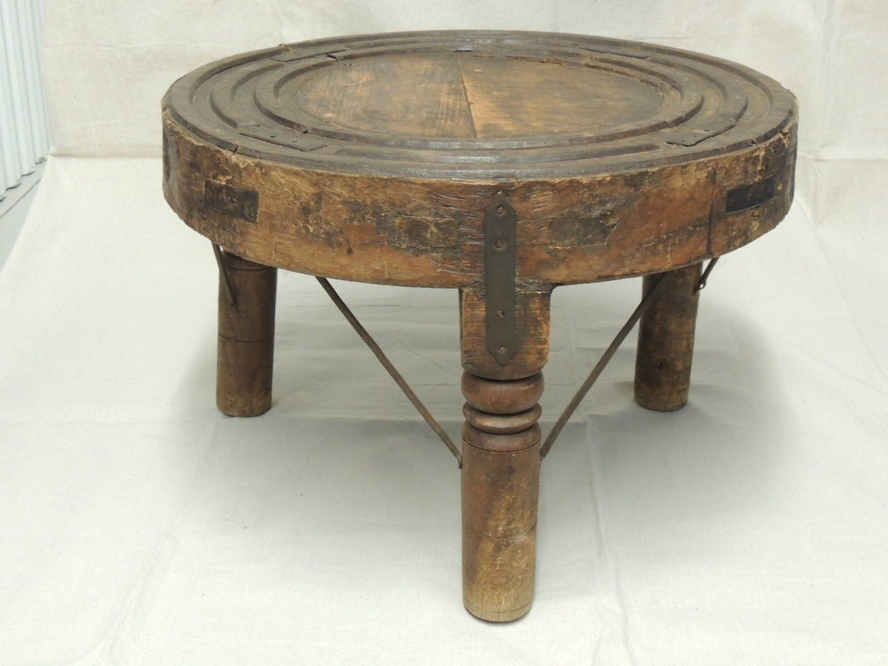Round indian wheel coffee side table at 1stdibs Side and coffee tables