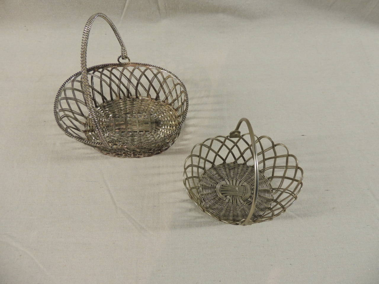 Flat Wire Sources : Flat wire baskets for sale at stdibs
