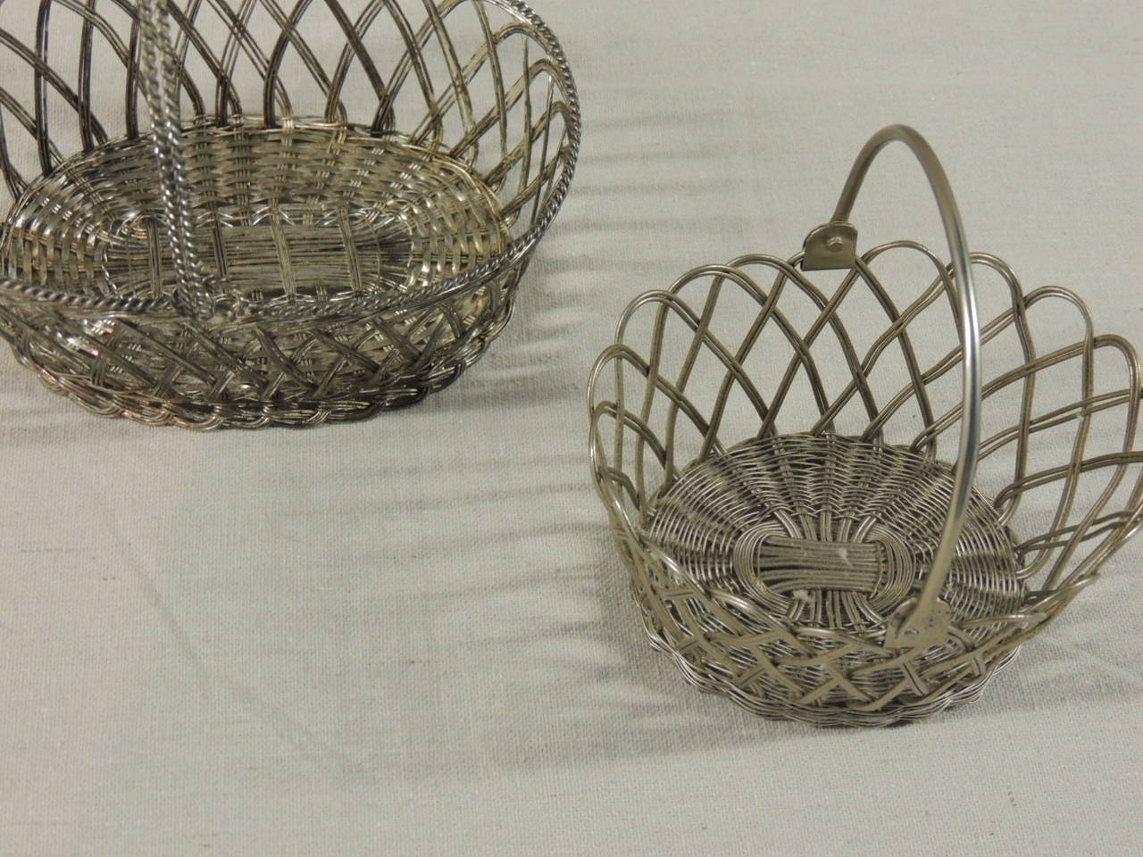 Flat Wire Sources : Flat wire baskets at stdibs