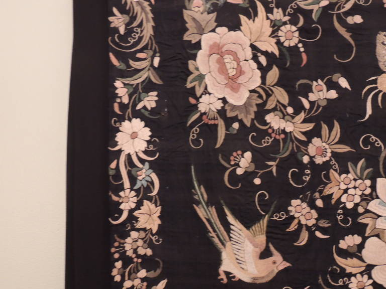 Monumental Black and Gold Chinese Embroidery Silk Altar Cloth or Wall Hanging In Good Condition For Sale In Fort Lauderdale, FL