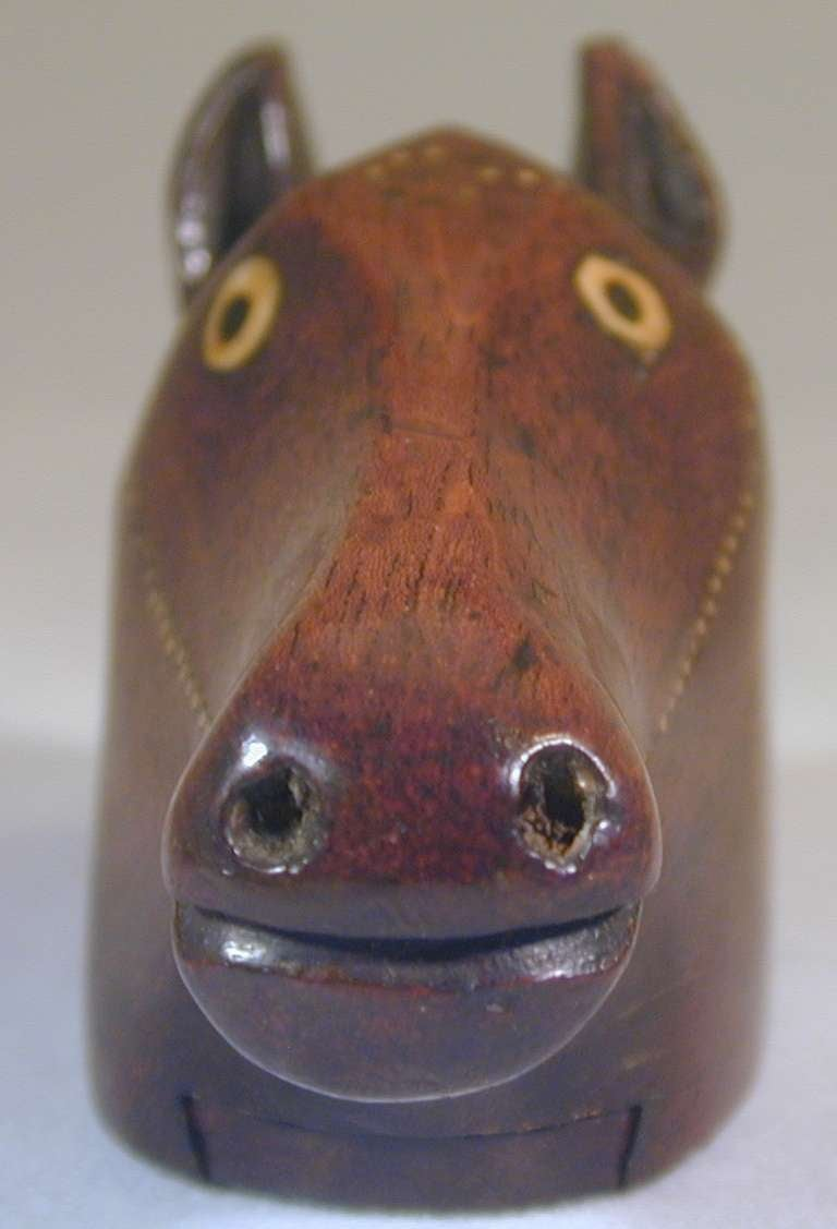 Antique horse head snuff box for sale at 1stdibs for Vintage horseshoes for sale