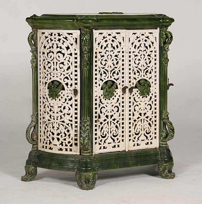 Victorian cast iron radiator at 1stdibs - Cast iron radiator covers ...