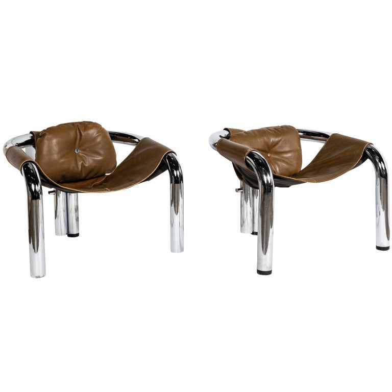 A Pair of 1970s Three Legged Chrome Sling Chairs 1 - A Pair Of 1970s Three Legged Chrome Sling Chairs For Sale At 1stdibs