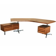 "Rare Tecno ""Forme Libre"" Desk in Walnut by Osvaldo Borsani"