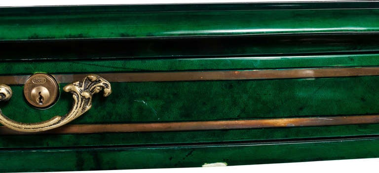 A Louis XV Gilt Bronze Emerald Lacquered Desk In Good Condition For Sale In West Hollywood, CA