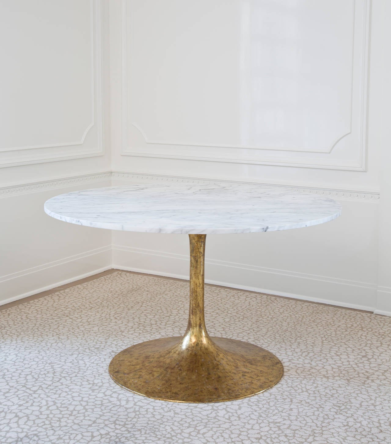 Iris Dining Table in Carrera Marble In Excellent Condition In West Hollywood, CA