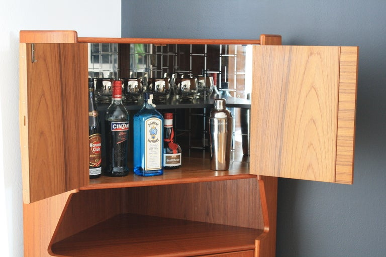 Danish Modern Teak Corner Bar Cabinet By Omann Jun In Excellent Condition For Sale San