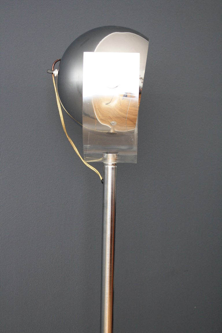 mid century modern floor lamp by robert sonneman at 1stdibs. Black Bedroom Furniture Sets. Home Design Ideas
