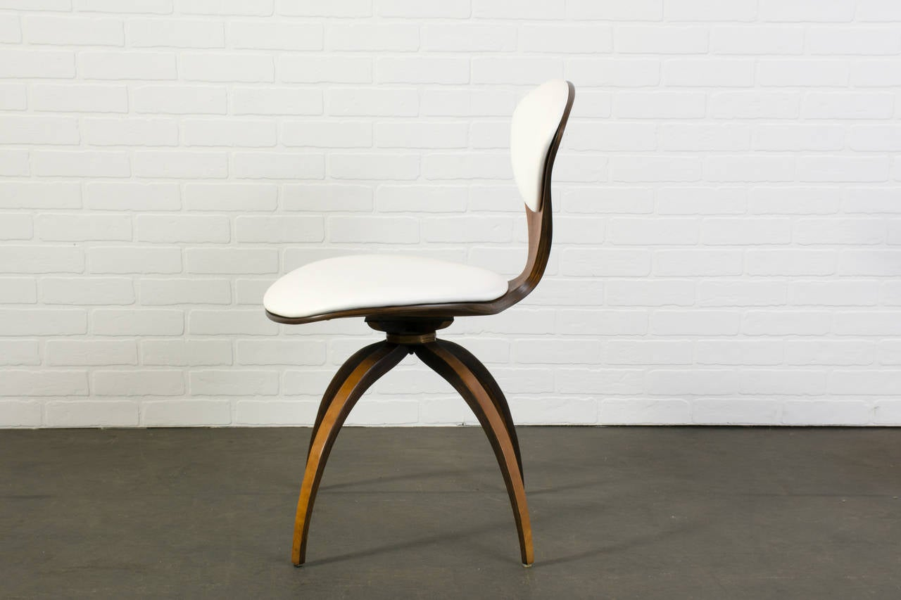 Mid-Century Modern Swivel Chair by Norman Cherner for Plycraft at ...