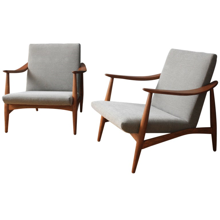 pair of vintage mid century lounge chairs at 1stdibs
