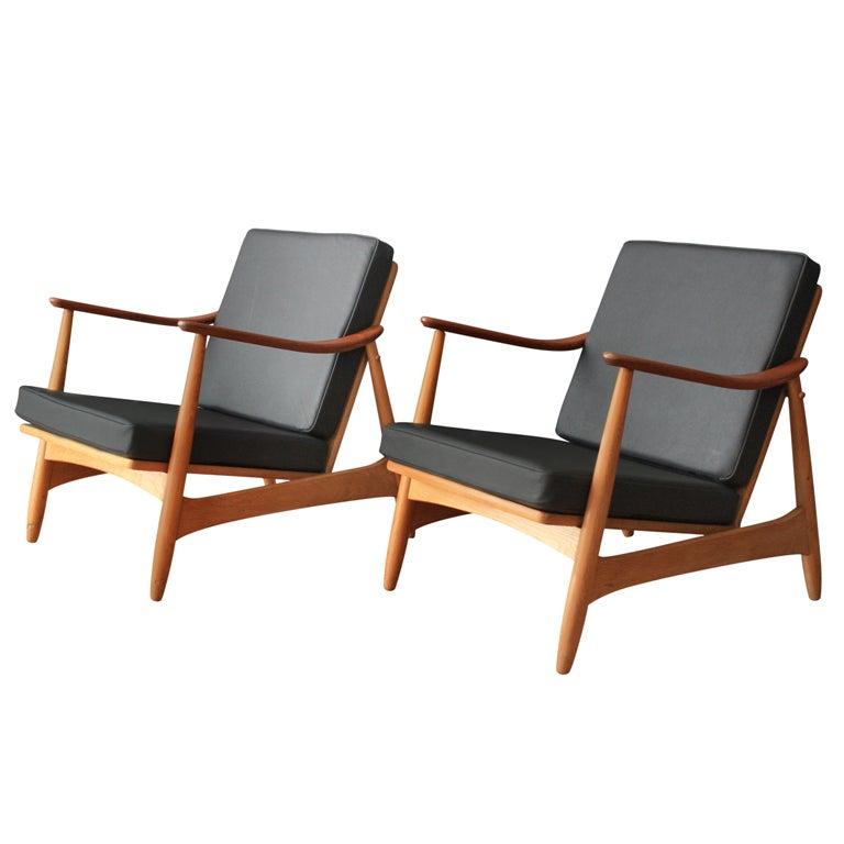 Pair of Danish Modern Lounge Chairs by Torben Strangaard at 1stdibs