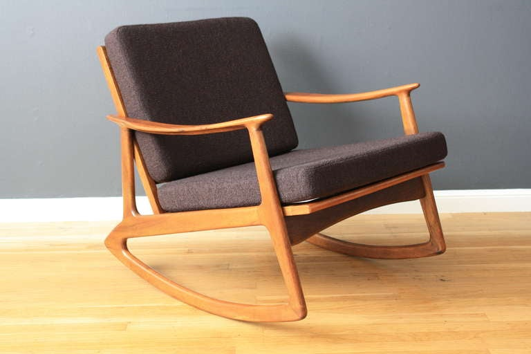 Rocking chair moderne blanc for Rocking chair eames pas cher