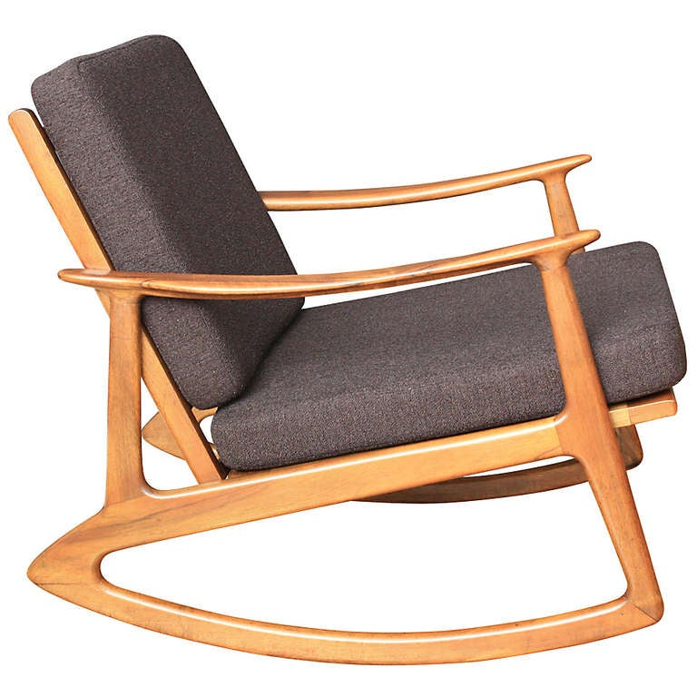 mid century modern rocking chair at 1stdibs. Black Bedroom Furniture Sets. Home Design Ideas