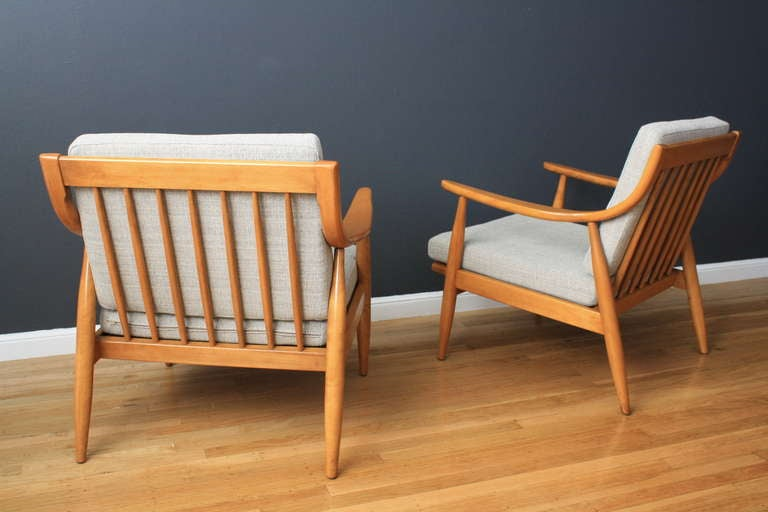 Pair of Vintage Mid-Century Lounge Chairs by Russel Wright at 1stdibs