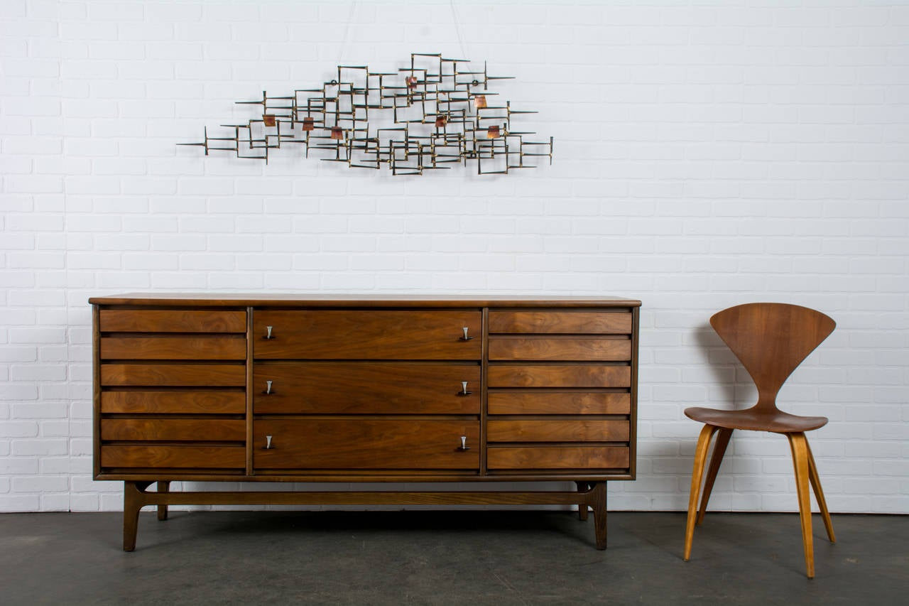 mid century modern metal wall sculpture at 1stdibs. Black Bedroom Furniture Sets. Home Design Ideas