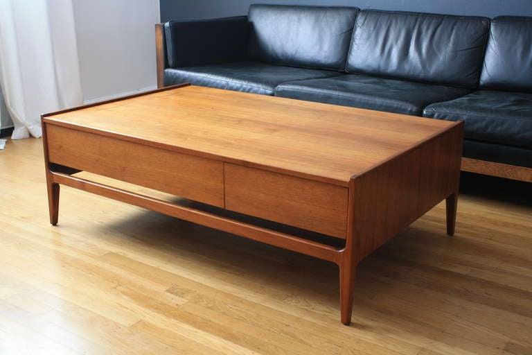 Mid Century Modern Coffee Table By Glenn Of California At 1stdibs