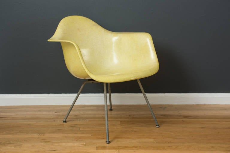 Mid-Century Modern Vintage Mid-Century Eames LAX Shell Chair For Sale