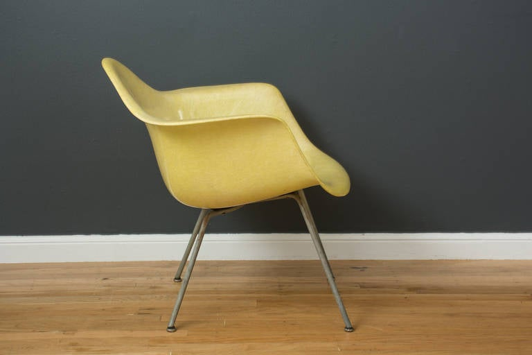 American Vintage Mid-Century Eames LAX Shell Chair For Sale