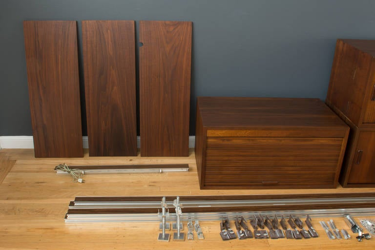 Vintage mid century suspension omni wall unit by george nelson at 1stdibs - Suspension georges nelson ...
