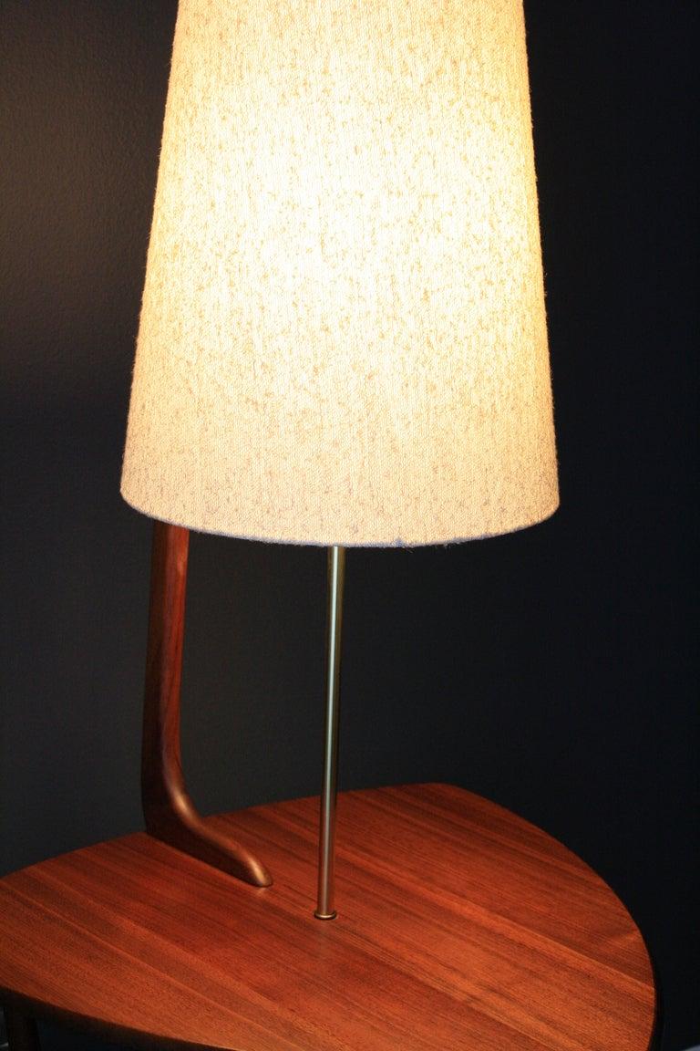 mid century modern walnut floor lamp with side table at 1stdibs. Black Bedroom Furniture Sets. Home Design Ideas