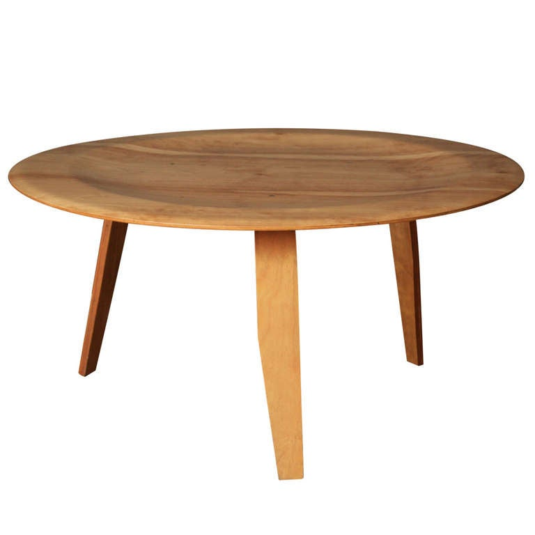 Mid century modern eames style table at 1stdibs for Eames style coffee table