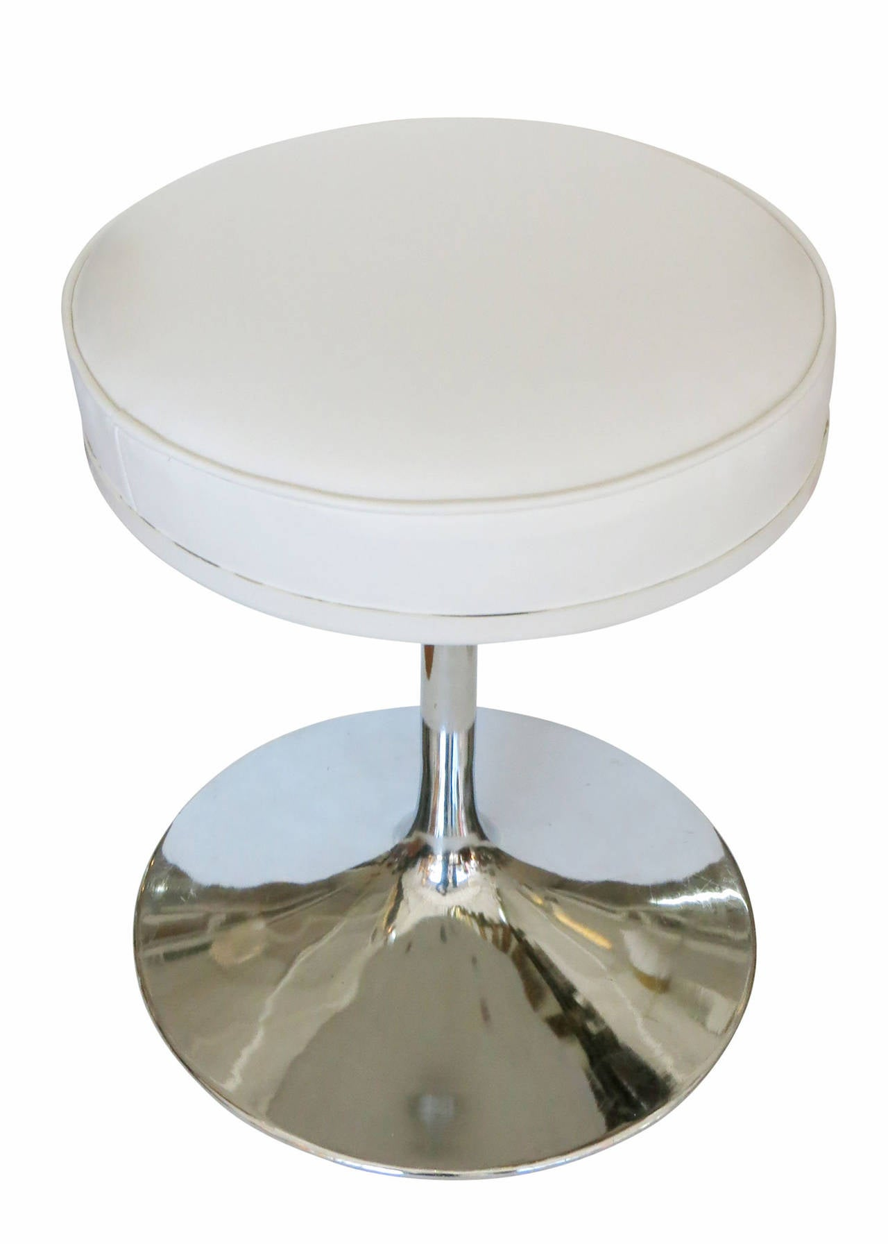 Eero Saarinen Quot Tulip Quot Stool For Knoll With Chrome Base At