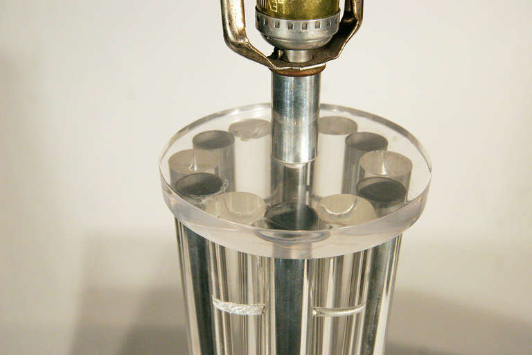 acrylic pole table lamp circa 1970 for sale at 1stdibs. Black Bedroom Furniture Sets. Home Design Ideas