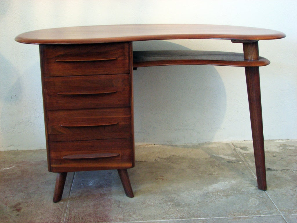 American Mid-Century Modern Free-Form Desk in Solid Walnut by Carl Bissman For Sale