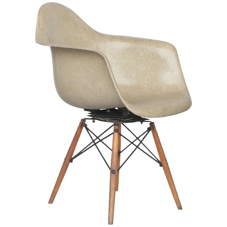 Eames DAW Fiberglass Armchair For Herman Miller For Sale