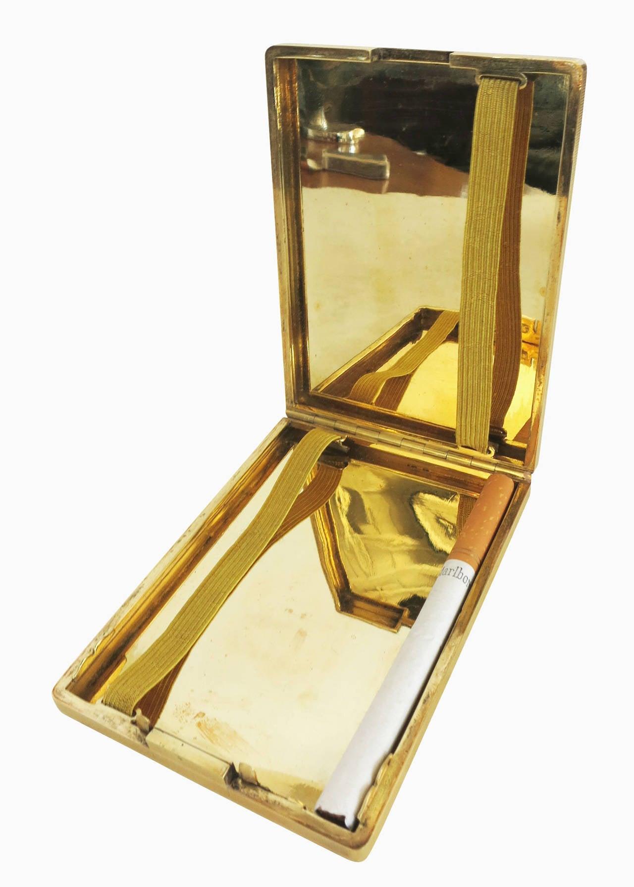 18-Carat Gold Art Deco Cigarette Case For Sale 4