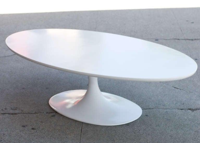5 39 Foot Oval Tulip Coffee Table By Eero Saarinen For Knoll At 1stdibs
