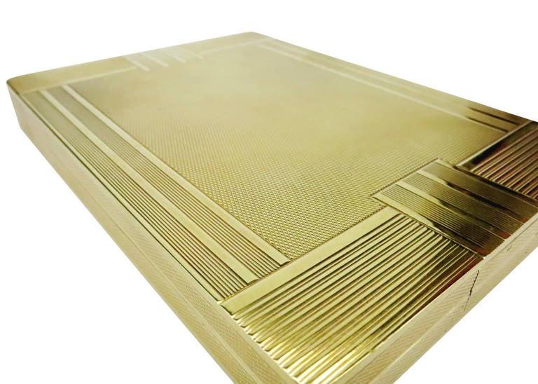 18-Carat Gold Art Deco Cigarette Case In Excellent Condition For Sale In Van Nuys, CA