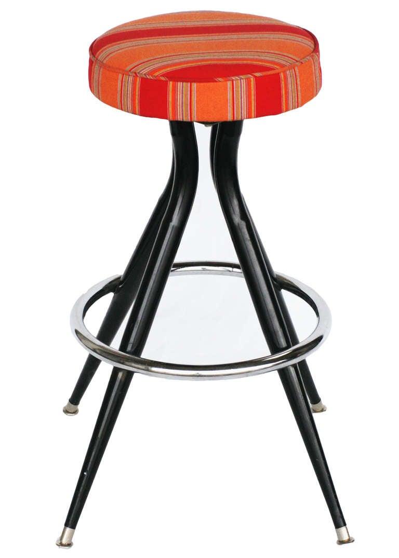 black steel swivel bar stools set of three for sale at 1stdibs. Black Bedroom Furniture Sets. Home Design Ideas