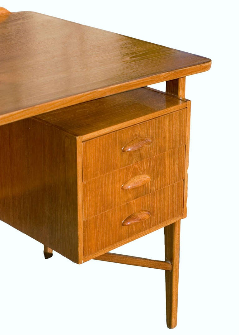 Danish Teak Desk in the Style of Kai Kristiansen **Saturday Sale** In Excellent Condition For Sale In Van Nuys, CA