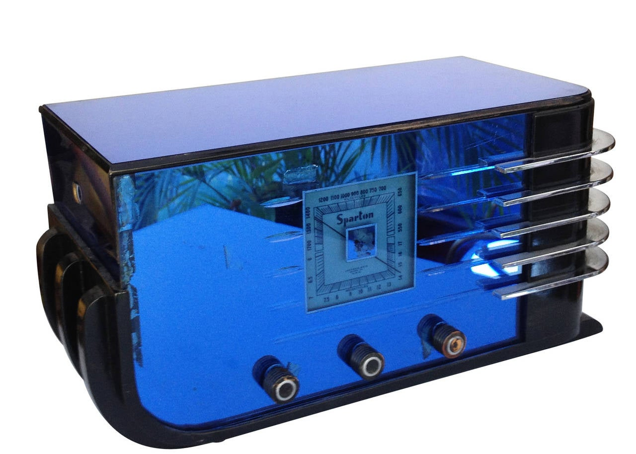 """Mid-20th Century Sparton Model 557 """"Sled"""" Radio by Walter Dorwin Teague For Sale"""
