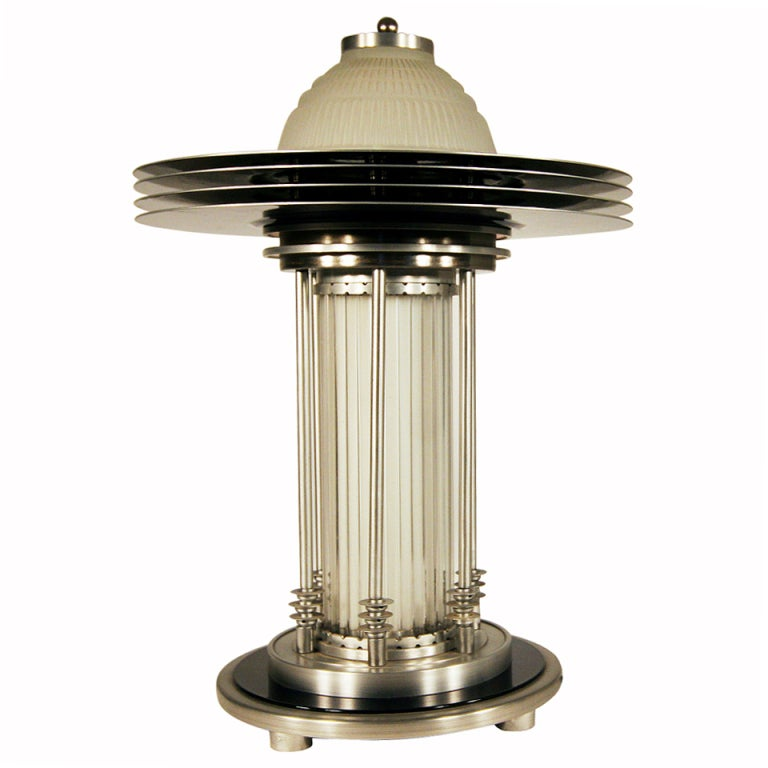 art deco style machine age table lamp for sale at 1stdibs. Black Bedroom Furniture Sets. Home Design Ideas