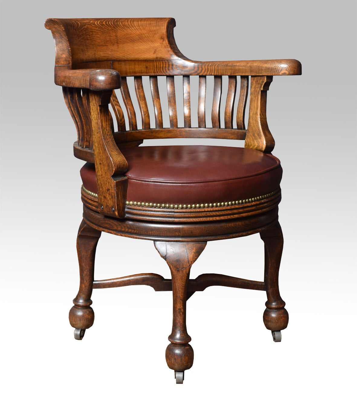 Victorian oak swivel desk chair at 1stdibs for Chair with swivel desk