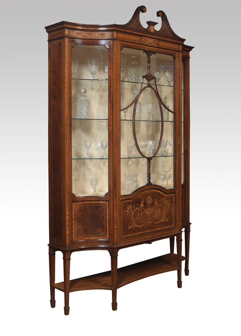 Late 19th Century Mahogany Sheraton Revival Inlaid Display Cabinet 2