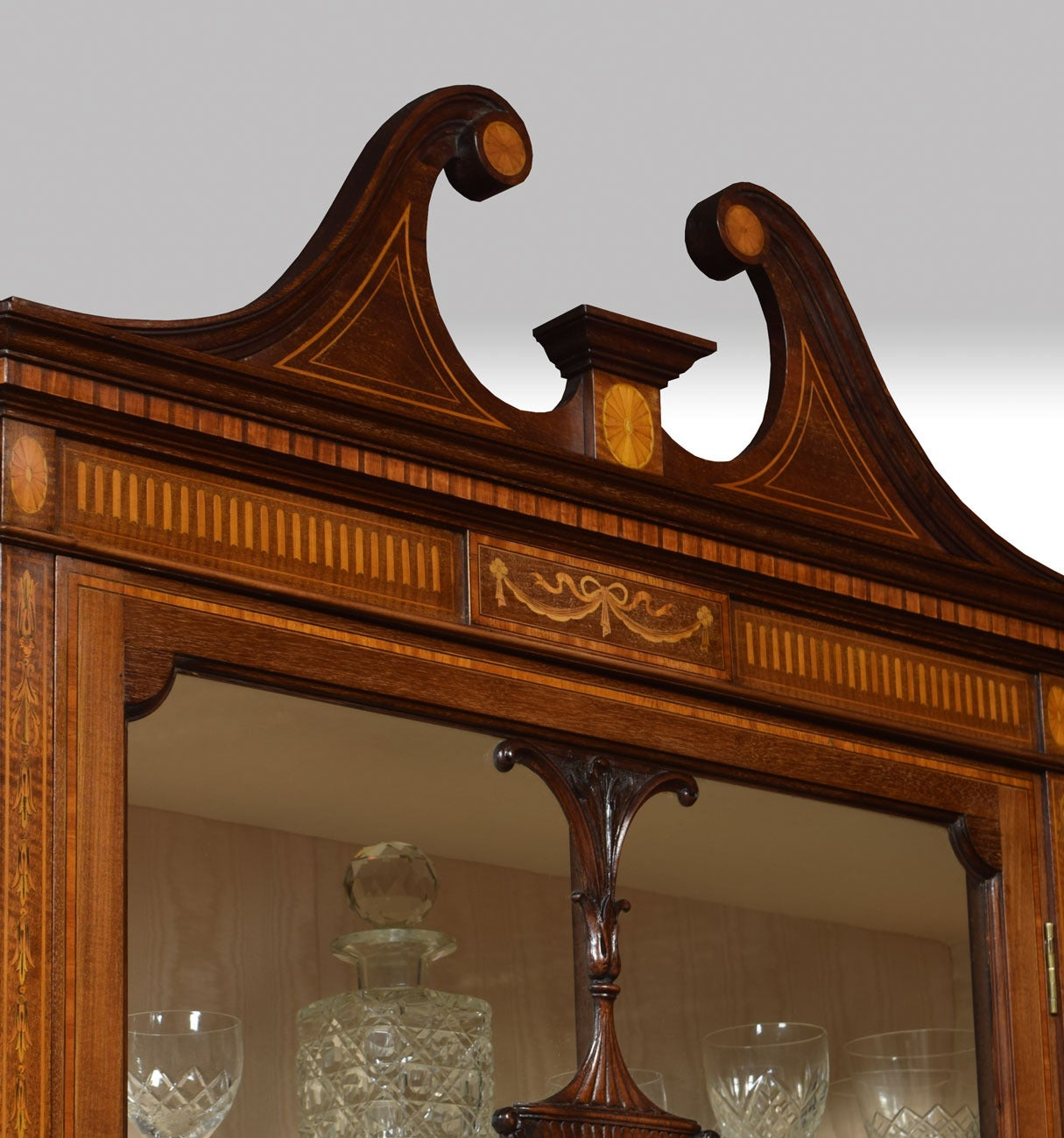 Late 19th Century Mahogany Sheraton Revival Inlaid Display Cabinet For Sale 1