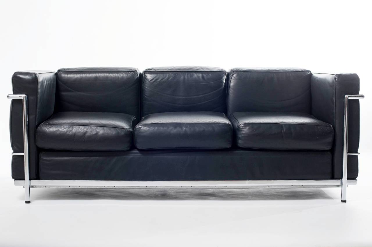 Le corbusier sofas sofa lc3 le corbusier at 1stdibs le for Sofas piel barcelona