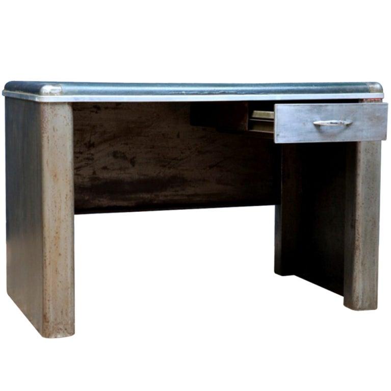 Xxx Small steel desk
